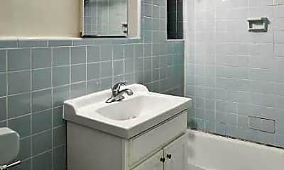 Bathroom, 155 Henry St, 2