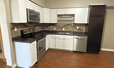 Kitchen, 709 Niagara St, 2