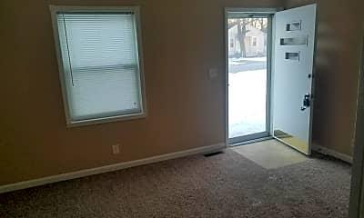 Living Room, 324 Alger Ave, 2