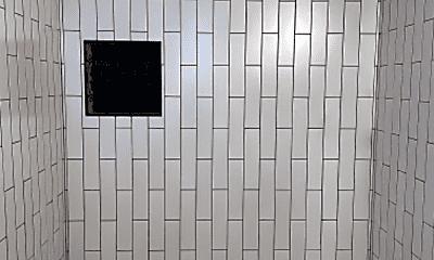 Bathroom, 925 E McKinley St, 2