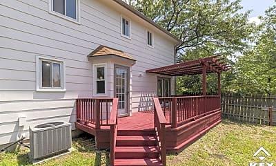 Patio / Deck, 4047 N Cranberry St, 2