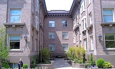 Building, 417 13th Ave E, 1