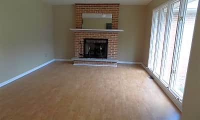 Living Room, 809 Huntington Blvd, 1