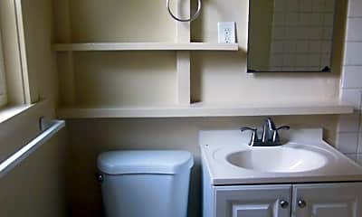 Bathroom, 430 Chestnut St, 2