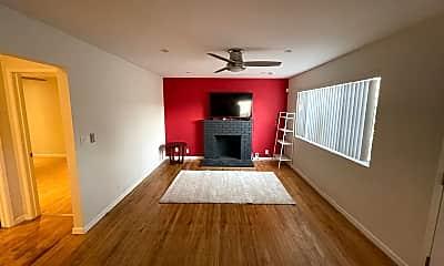 Living Room, 33613 14th St, 1