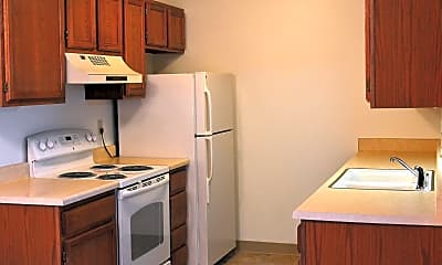 St. Andrews Apartments, 2