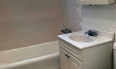 Bathroom, 42-04 Saull St, 2