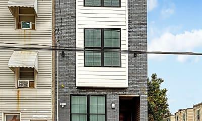 Building, 2122 N Marshall St, 1