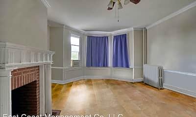 Bedroom, 2813 N Calvert St, 2