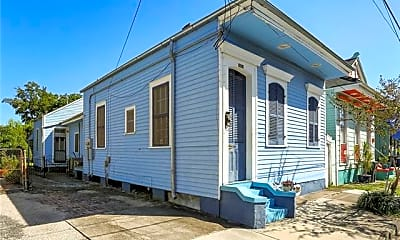 Building, 1019 Clouet St, 2