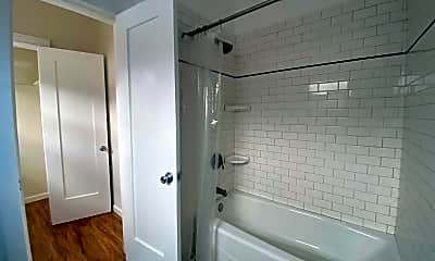 1803 N Harvard Blvd, 2