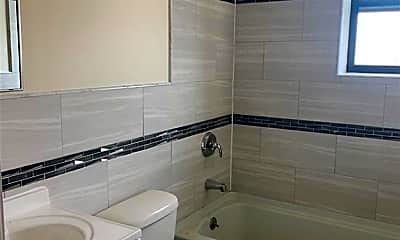 Bathroom, 115 Bedford St N2, 1