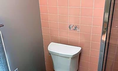 Bathroom, 10 Mounds Rd, 2