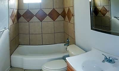 Bathroom, 812 Estelle Ave, 2