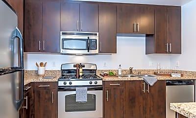 Kitchen, 421 W Broadway, 1