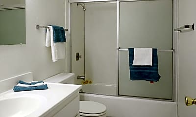 Bathroom, Sungarden Apt. & Duplexes, 2