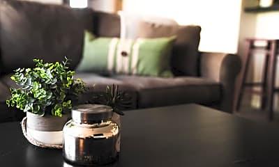 Living Room, 304 28th St, 1