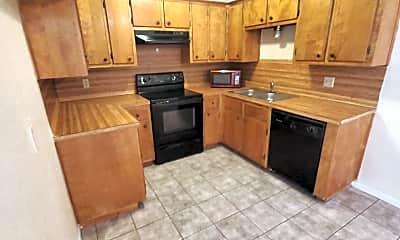 Kitchen, 102 E Truman Ave, 1