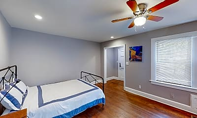 Bedroom, Room for Rent -  less than a 1-minute walk to 172, 2
