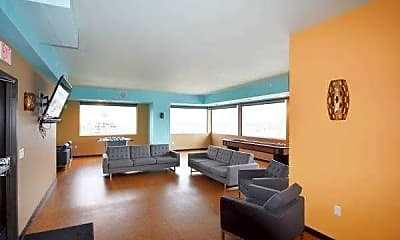 Starliner Apartments, 2