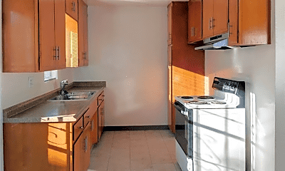 Kitchen, 635 Coronado Ave, 2
