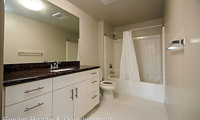 Bathroom, 5100 Woodman Ave, 0