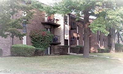 Building, 7632 Cherryvale N Blvd, 1