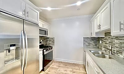 Kitchen, 4461 Rosewood Ave, 1