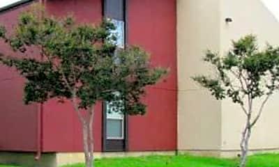 Building, Arroyo Vista, 1