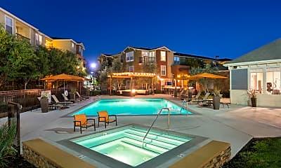 Pool, Montrachet, 2