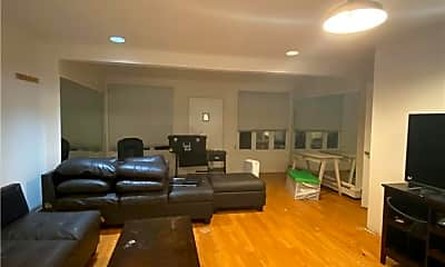 Living Room, 47-13 161 St, 1