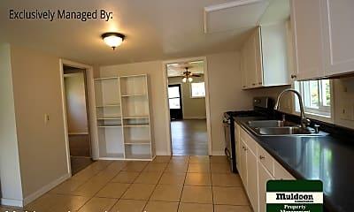 Kitchen, 307 Tyler St, 1