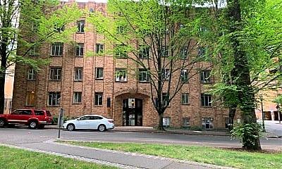 Parkway Residence Hall, 2