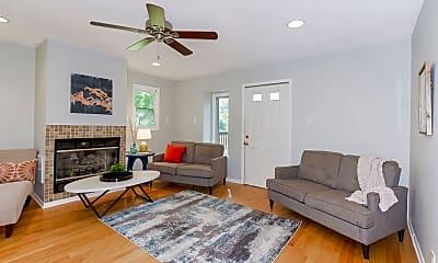 Living Room, 1109 NE Noeleen Ct, 0