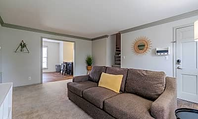 Living Room, Room for Rent - Amazing Location - 12 Minutes from, 0