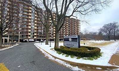 1300 Army Navy Dr 619, 2