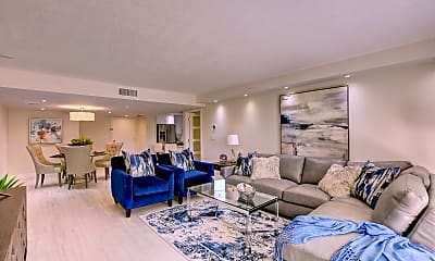 Living Room, 4101 N Ocean Blvd, 1