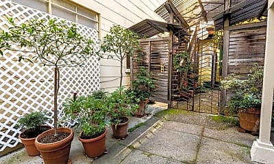 Patio / Deck, 564 Lombard St, 0