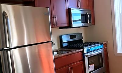Kitchen, 1761 W 5th St, 1