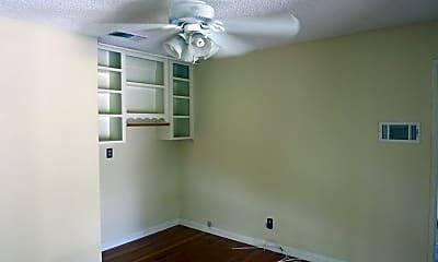 Living Room, 6138 Pontiac St, 2