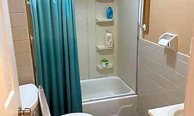 Bathroom, 160 Centre St, 1