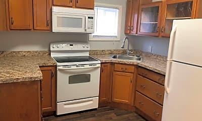 Kitchen, 924 W Ionia St, 1