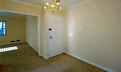 Bedroom, 75-05 197th St, 2