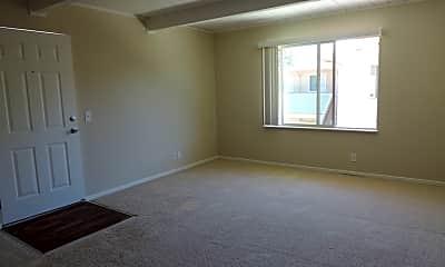 Living Room, 435 Walnut St, 1