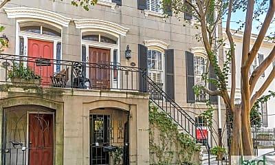 Building, 405 E Charlton St PARLOR, 0
