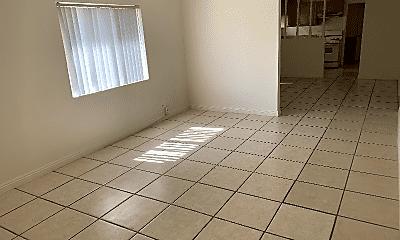 Living Room, 293 N Hill Ave, 1