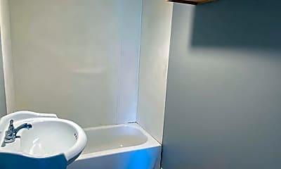 Bathroom, 3207 Colgate St, 2