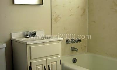 Bathroom, 304 1/2 Madison NE, 2