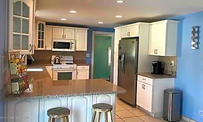 Kitchen, 629 Garfield Ave, 1