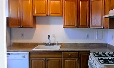 Kitchen, 6034 Westchester Park Dr 2, 1